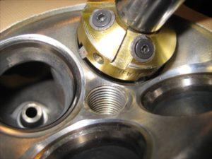 エンジンオーバーホール シート修正