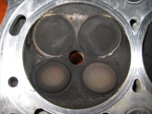 エンジンオーバーホール シリンダーヘッド