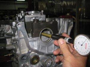 エンジンオーバーホール 内径測定
